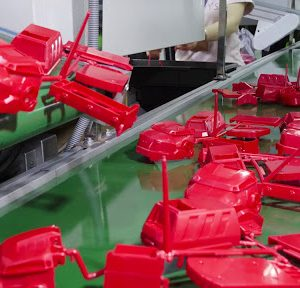 china plastic injection molding services